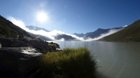Bergseen und Wasserfälle