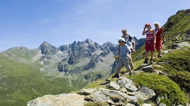 Wandern mit der Familie © hochzeiger.com