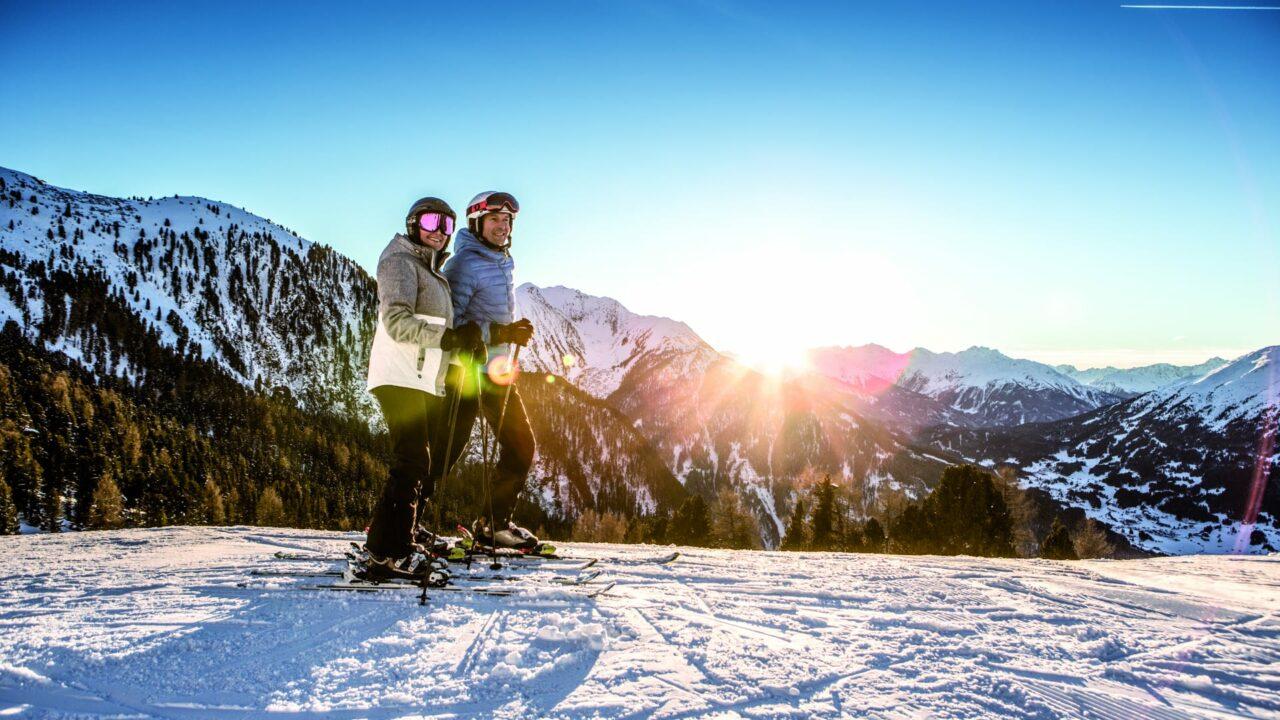 winter ski sonnenaufgang paar hochzeiger
