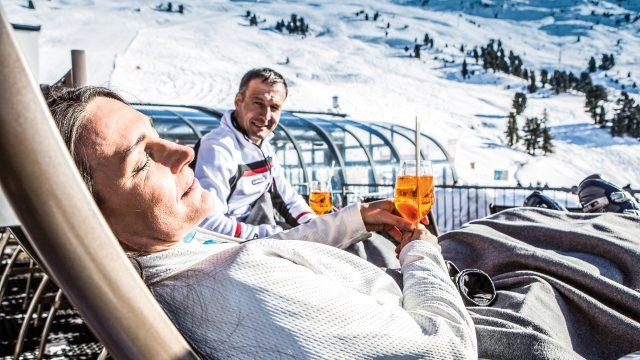 winter sonnenski panoramalounge terrasse hochzeiger
