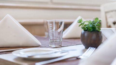 restaurant tisch gedeckt2