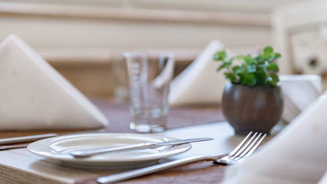 restaurant tisch gedeckt5